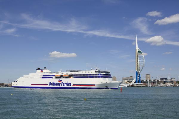 Choix du pavillon français pour les nouveaux navires de Brittany Ferries