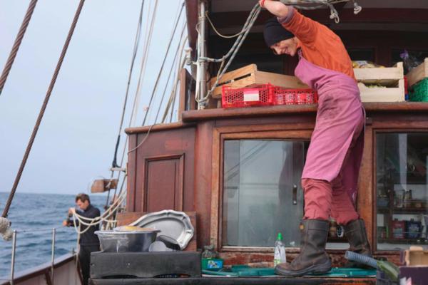 """WOMEN OF THE SEAS : ÉPISODE 2 """" DÉMERDEZ-VOUS POUR ÊTRE HEUREUX ! »"""