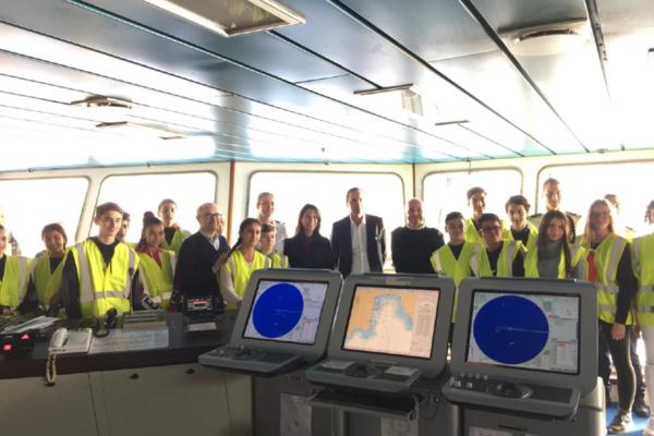 CORSICA linea sensibilise aux métiers de la filière maritime