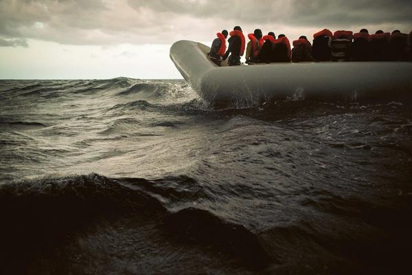 """WOMEN OF THE SEAS : RÉCIT DES AVENTURIÈRES DE LA MER - Épisode 1 :""""Ils arrivent pieds nus par la mer"""""""