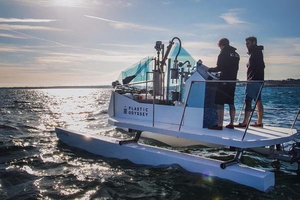 Plastic Odyssey : inauguration du navire démonstrateur propulsé à partir de déchets recyclables